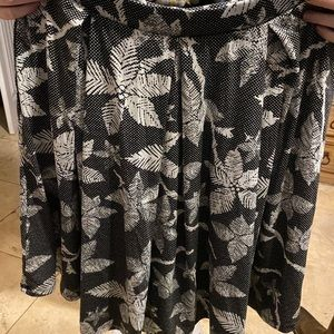 Dresses & Skirts - Lularoe Skirt